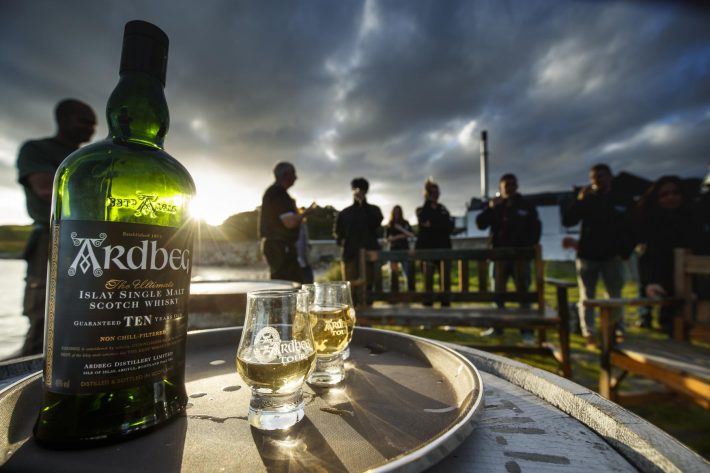 The Ultimate Ardbeg ARDventurer Challenge // Herr Lutz